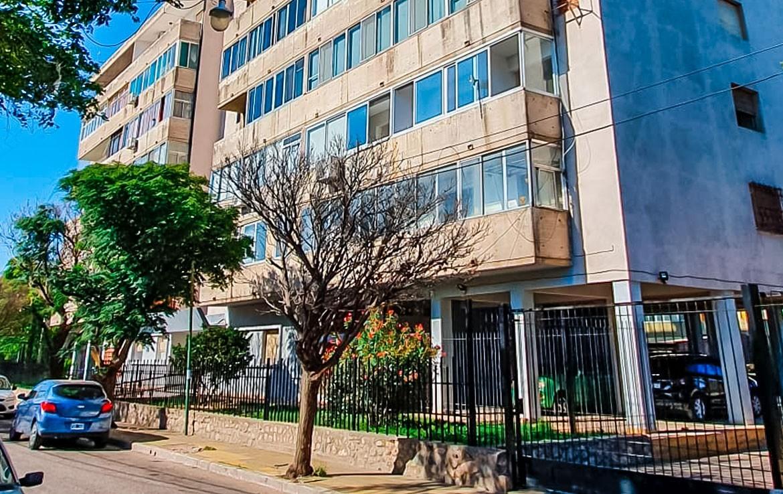VENTA.Departamento 2 dormitorios. Av. Lafinur N°424